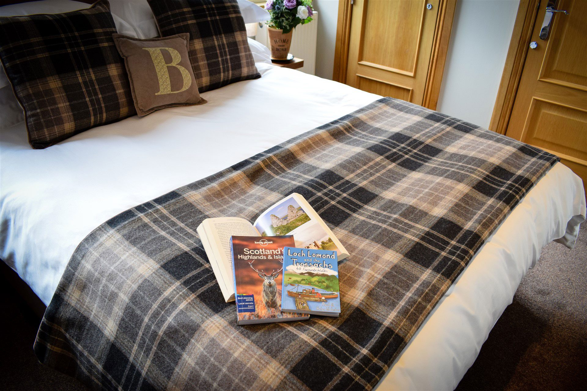 Relax at Benoch Luxury Self-catering and plan where you're going to explore around Loch Lomond
